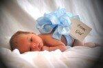 Что подарить на месяц ребенку