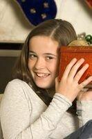 Что подарить на 15 лет девочке