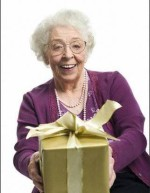 Что подарить бабушке 65 лет?