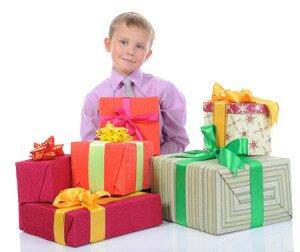 что подарить мальчикам на 23 февраля