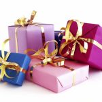 Что подарить на Новый год другу